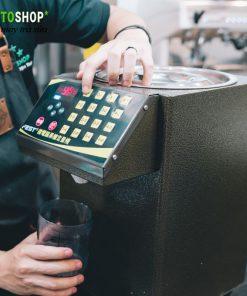 bấm nút lấy đường từ máy định lượng fest rc