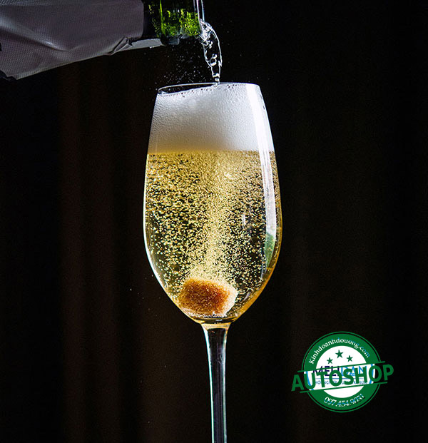38-ChampagneCocktail