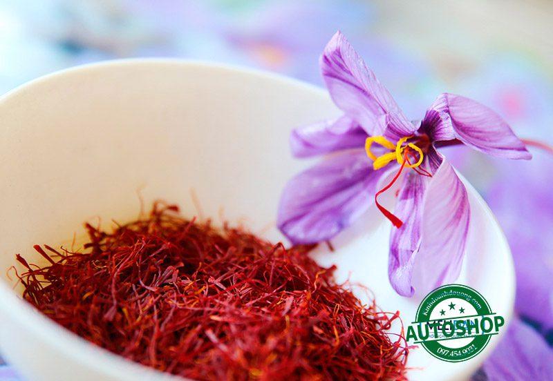 trà-saffron